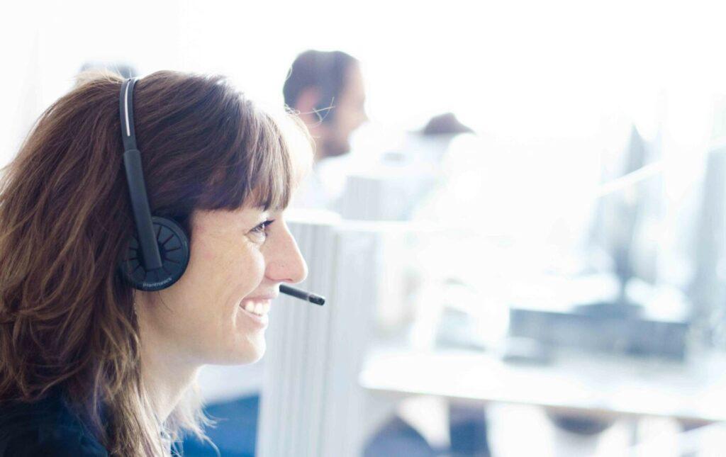 Atención personalizada al cliente contact center hotel